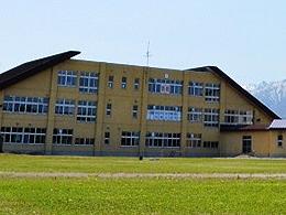 富良野市立布部小中学校HP