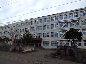 札幌平岸高校 - Wikipedia