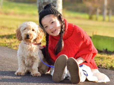 愛犬と一緒に元気に育つ子