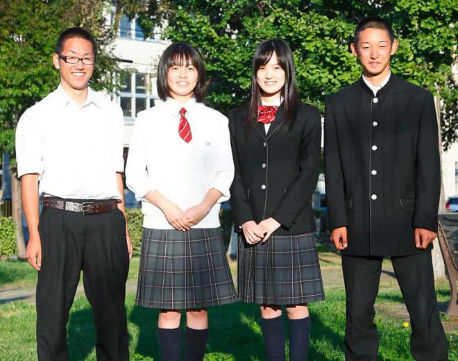 札幌新川高等学校の制服写真