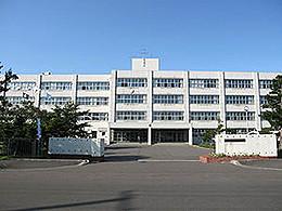 岩見沢東高校の外観写真