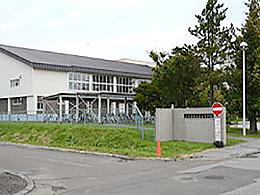 留辺蘂高校の外観写真