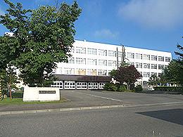 帯広三条高校 - Wikipedia