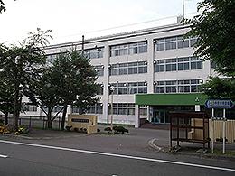 清水高校の外観写真
