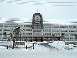 釧路湖陵高校の外観写真