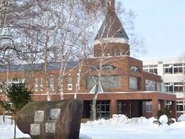 標茶高校の外観写真