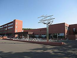 岩見沢緑陵高校の外観写真