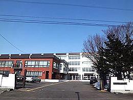 野幌高校の外観写真