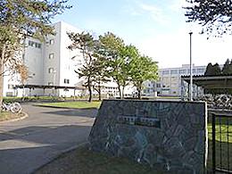 恵庭南高校の外観写真