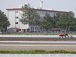 恵庭北高校の外観写真