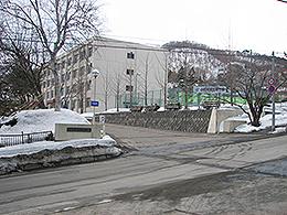 小樽商業高校(2020年に閉校予定。統合先:小樽未来創造高校) - Wikipedia