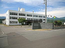 蘭越高校の外観写真