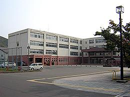 室蘭東翔高校 - Wikipedia