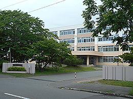 苫小牧西高校 - Wikipedia