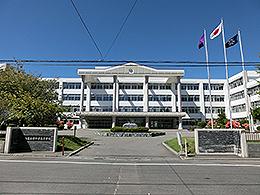 函館中部高校の外観写真