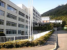 函館西高校の外観写真