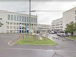 函館水産高校の外観写真