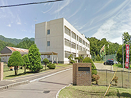 福島商業高校の外観写真