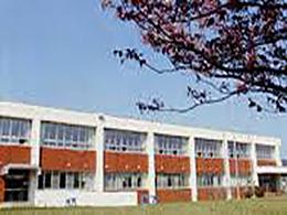 上丿国高校の外観写真