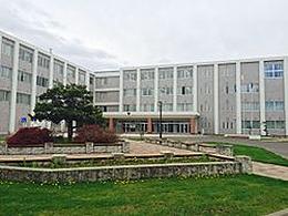 旭川西高校の外観写真