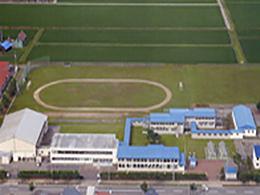 鷹栖高校の外観写真