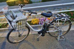 新聞配達の自転車